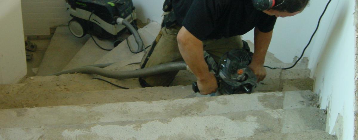 Untergrundarbeiten / Treppensanierung